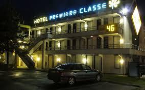 cette jeune femme de 20 ans a été surprise en flagrant délit dans une chambre d hôtel à bas coût de saint cyr l ecole