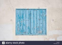 Zypern Larnaca Blau Holz Geschält Fenster Fensterläden Auf Rosa