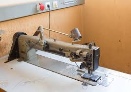 Sieck: PFAFF Kl. 1245-706/48 long arm sewing machine with 650 mm ... & PFAFF Kl. 1245-706/48 long arm sewing machine with 650 mm arm length,  complete on table with electronic motor 380 V, will be rebuilt Adamdwight.com