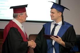 Блог компании Предметика Сроки выдачи диплома после защиты Рассмотрим какие действия может предпринять студент для того чтобы ему был вручен заветный диплом как можно скорее