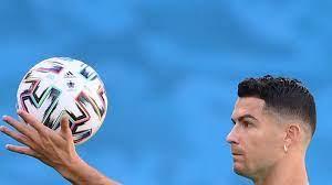 استبعاد كريستيانو رونالدو وكيليني من التشكيلة المثالية لكأس الأمم الأوروبية