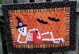 FREE Appliqué Designs for Fall & Skeleton Halloween Quilt Block: Free Pattern Available on Craftsy.com Adamdwight.com