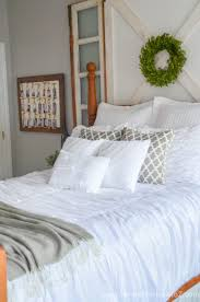 Modern Farmhouse Bedroom 5 Affordable Tips To Creating A Modern Farmhouse Look In The Bedroom