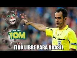 El albitro que albitro en el partido de México Brazil fue comprado por el entrenador brasileño