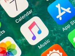 New Top Charts Apple Music Launches A Top Charts Playlist Series Techcrunch