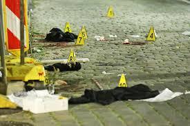 Nach der ausländerfeindlichen messerattacke auf eine ägypterin im dresdner landgericht hat die staatsanwaltschaft gegen den mutmaßlichen mörder anklage erhoben. Messer Mord In Dresden Verdachtiger Islamist Wurde Am Tag Der Tat Observiert Tag24