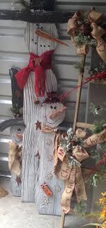 Best 25+ Wooden snowmen ideas on Pinterest   Wooden snowman crafts ...
