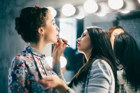 how to bee a makeup artist