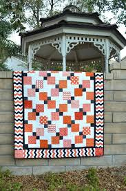 Best 25+ Disappearing 9 patch ideas on Pinterest   9 patch quilt ... & 15+ Disappearing Quilt Patterns Adamdwight.com