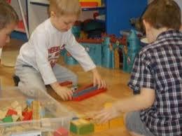 Сюжетно ролевые игры детей младшего дошкольного возраста Игры для  И поэтому считаю что основной задачей воспитания дошкольников сегодня становится сохранение условий в которых ребенок играет