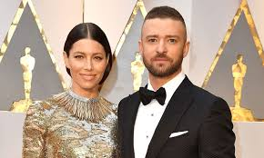 Jessica biel is a 38 year old american actress. Justin Timberlake Issues Public Apology To Wife Jessica Biel After Holding Hands With Co Star Hello