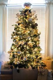 Gorgeous Gold Christmas Tree | Gold christmas, Christmas tree and Night owl