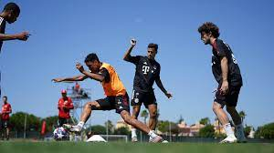 First training session in Portugal: FC Bayern start preparations for Barca  clash