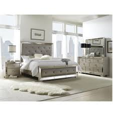 Queen Size Bedroom Furniture Farrah 4 Pc Queen Size Bedroom Set