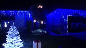 Let It Go Christmas Light Show Crowds Brave Cold To See Tech Savvy Sj Mans Annual Home Holiday Display