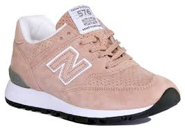 w576tto trainers for women have been introduced in the made in uk range by new balance these trainers are designed with nubuck leather pig suede upper