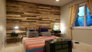 picture of pallet accent wall