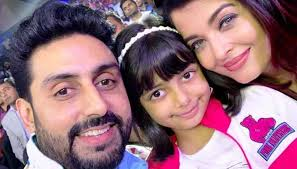 aishwarya rai bachchan has given us a k into her family life sharing a handful of sweet photos with daughter aaradhya and husband abhishek bachchan on