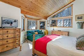 40 Golf Course Master Bedroom 40 Triumph Mountain Properties New Master Degree In Interior Design Property