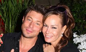 James duncan is a human child living on board the uss orville. Tara Palmer Tomkinson Doesn T Have To Be Frightened Anymore Says Friend Duncan James Hello