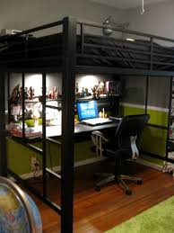A Tween Boys Room ~ Full size loft bed which i can turn into a teen