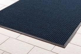 absorbent water trap mats