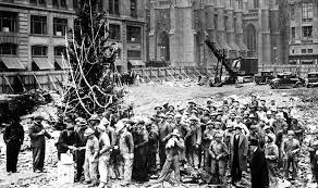 The History of the Rockefeller Center Christmas Tree, a NYC ...