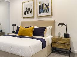 tips when choosing a bedside table lamp