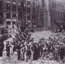 File:First Rockefeller Center Tree1931.jpg