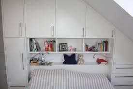 Die basis bildet das bett mit hochgezogenem kopfteil zum anlehnen. Kopfteil Bett Mit Uberbau Modern Von Horst Fetting Individueller Innenausbau Modern Holzwerkstoff Transparent Homify
