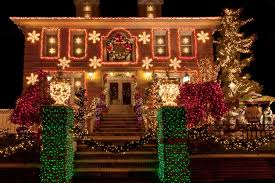 White Or Colored Christmas Lights On House 29 Types Of Outdoor Christmas Lights For Your House 2020