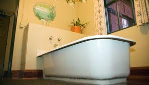 cast iron soaking tub