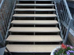 Die preise der bindemittel für innen & aussen variieren. Steinteppich Treppe Kosten Regionale Steinteppich Anbieter