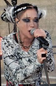 Linda (singer) - Wikipedia
