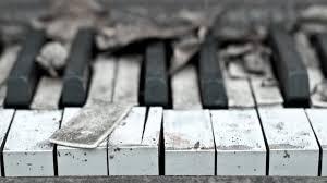 Existen multitud de momentos, en los que utilizamos la música, ya sea de forma consciente e inconsciente. Por Que Escuchamos Musica Triste