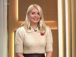 Born 10 february 1981) is an english television presenter, model and author. This Morning Viewers In Love With Holly Willoughby S Gorgeous 30 Zara Top Mylondon