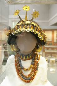 gilgamesh and civilization chameleonfire this gorgeous headdress made of gold and gems was likely worn by a sumerian noblew or