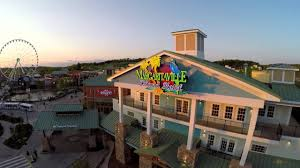 margaritaville island hotel in pigeon forge tn in the great smoky mounns