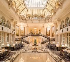 Hotel Istana Mau Menginap Di Hotel Istana Layaknya Putri Disney Ini