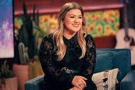 Kelly Clarkson Asks Judge to Legally ...