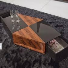 Table basse design bois et noir laqué Sigma