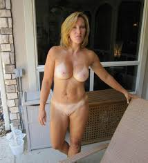 Hot milf nude pic