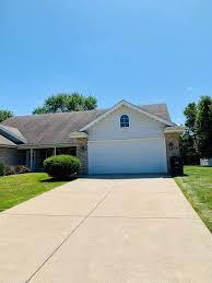 135 Polly Lane Hobart, IN 46342 | MLS# 459980 | @properties