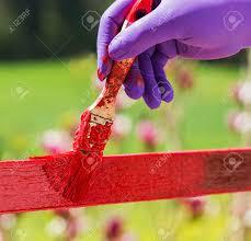 pincel pintando. mano con guantes púrpura y pintando un pincel. foto de archivo - 56985727 pincel