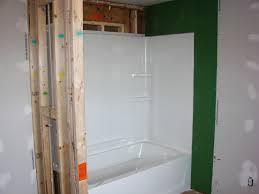 install fibreglass bathtub