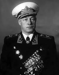 Николай Кузнецов. Адмирал который  и изобрел наш первый современный авианосец, названный в его честь.