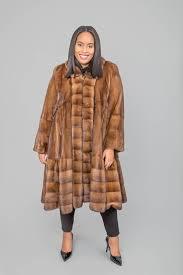 26071 mahogany mink swing 7 8 with cross cut tuxedo front and horizontal bottom