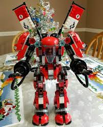 Just finished building the NINJAGO Movie Fire Mech set. This is the very  first NINJAGO Movie set I've ever built. I have to say, the fit, finish and  coloring is absolutely gorgeous