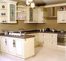 traditional antique white kitchen welcome this photo gallery has pictures of kitchens featuring cream or antique white kitchen cabinets in traditional