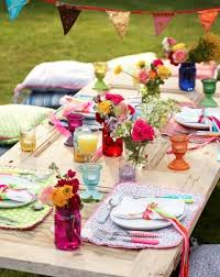 12 Mesmerizing Beautiful and Fresh Summer Table Decoration Ideas  homesthetics decor (7)